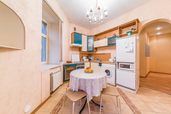 Apartment near St.Isaac square