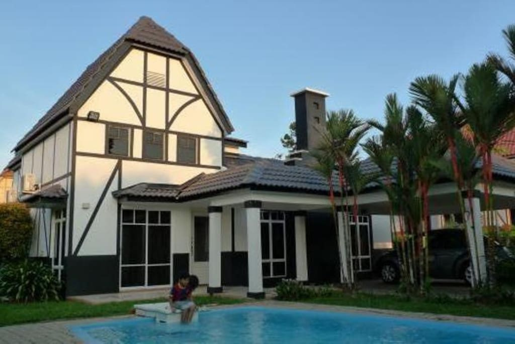 A 39 Famosa Resort Bungalow 928 With Pool 4 Riooms Bungalows For Rent In Alor Gajah Melaka Malaysia