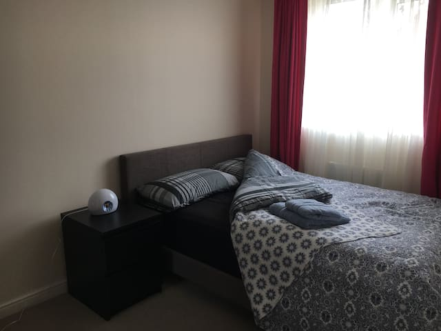 Comfortable double room in a lively house