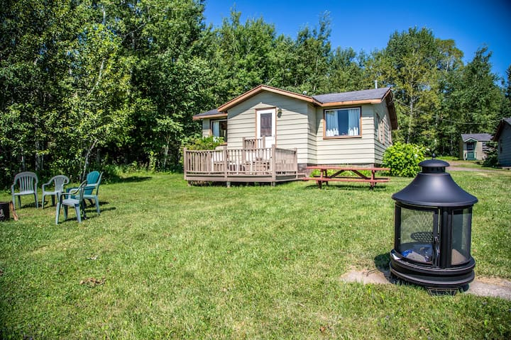 North Shore Cottages Cabin 14 is private two bedroom cabin on Lake Superior`s North Shore