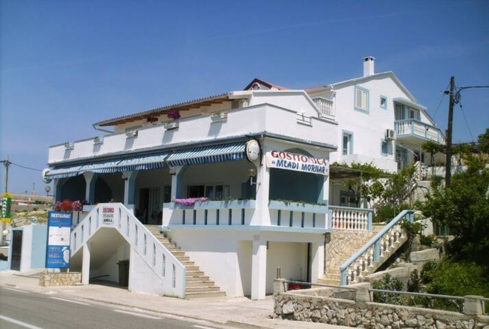 Pension-apartments Mladi mornar - Rtina - Pousada
