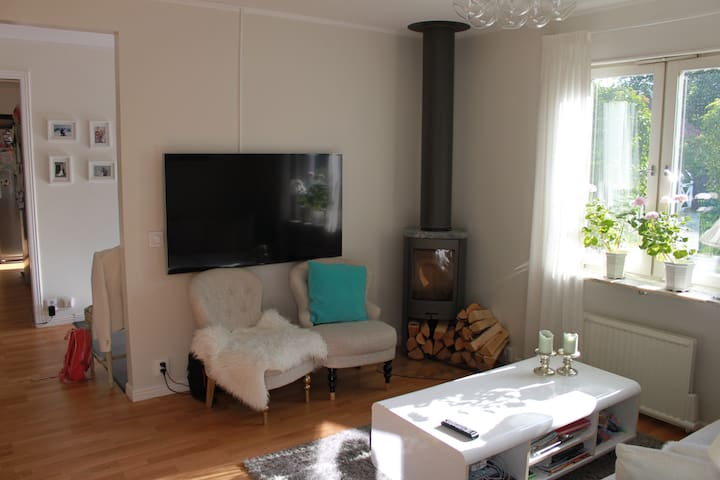 Central location in Djursholm - Djursholm - Casa