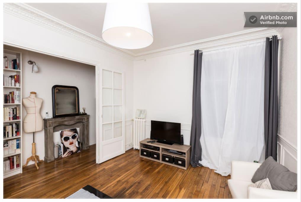 Chambre spacieuse vaugirard paris appartements louer for Chambre a louer paris
