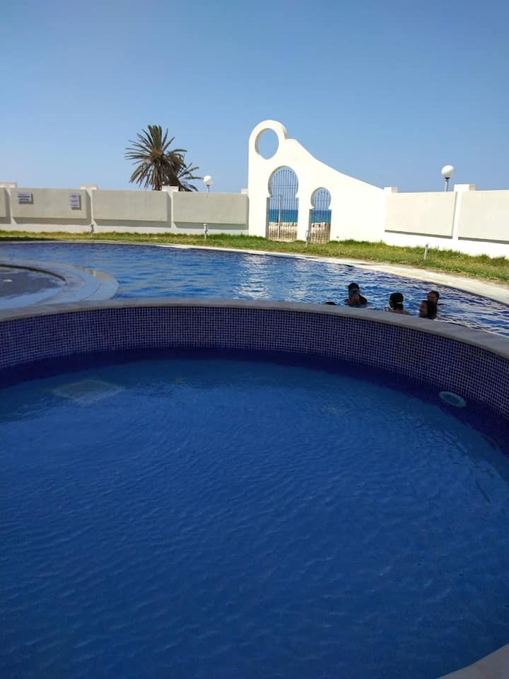 Apartment with one bedroom in Hergla, with wonderful sea view, shared pool and furnished terrace