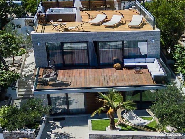 Villa Arbanessa - Arbanija - House