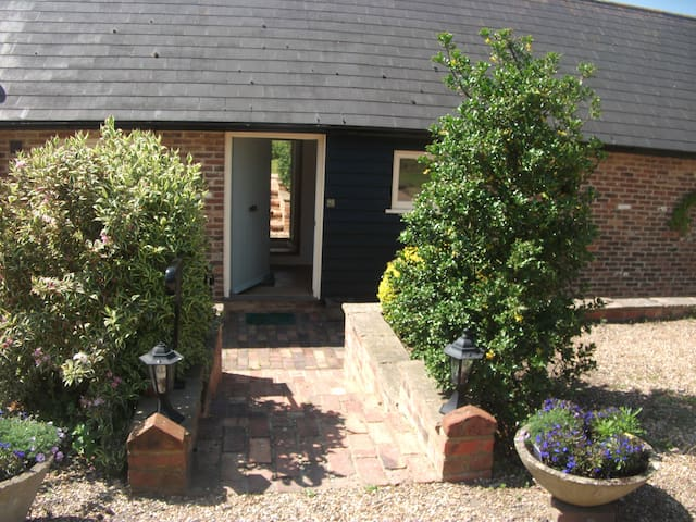 Cosy countryside B&B room retreat - Crowhurst - Inap sarapan