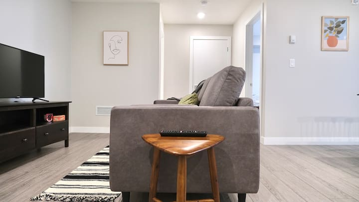 BRAND NEW - Modern 1B/1B In The Heart Of Mission