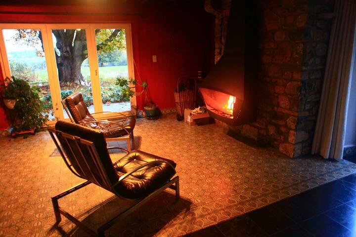 CHIMAY 5 pers. BBQ feu ouvert maison de campagne