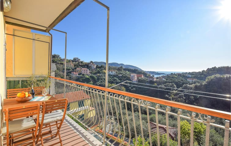 Holiday apartment with 1 bedroom on 65m² in La Spezia