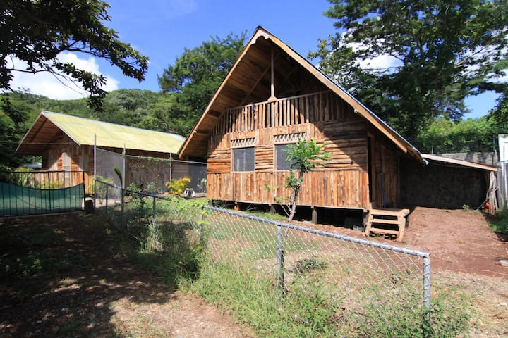 Wood home - Beside the forest, 4 km from the beach