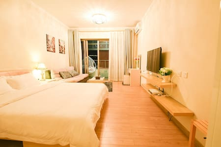 Independent room with toilet and air con near sea - Zhuhai