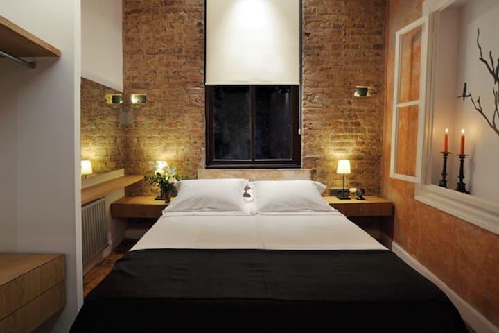 Bay Windows Apartment