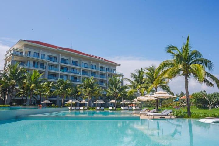 Luxury Apt 2BRs /Pool View/  in 5* Beach Resort