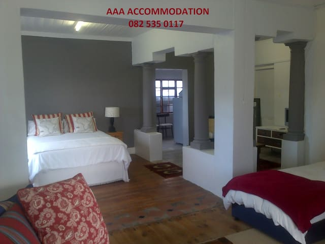 AAA LUXURY APARTMENT - Bredasdorp - Apartmen