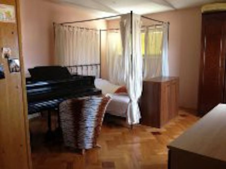 Room with are renting. Room with own terease, you can play piano if you know :)