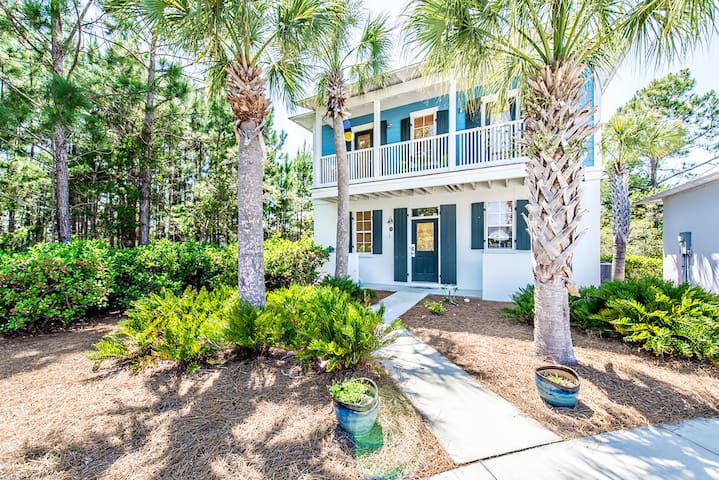 Blue Sky Bungalow-2BR-30A-Mar 29 to 31 $572! Walk2SeagroveBeach- Pools&Hot tub