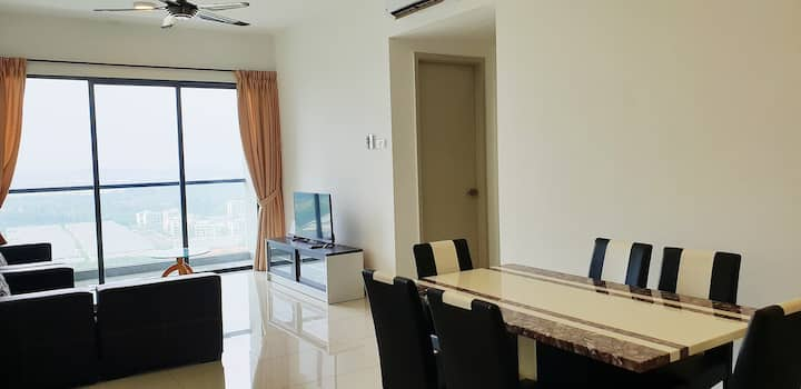Raffles Suites 1-5pax WIFI@5min to Sutera mall