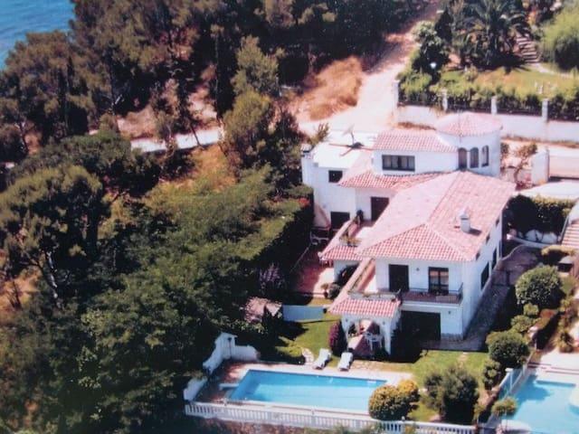 Beautiful seacliff villa in Lloret - Lloret de Mar - Villa