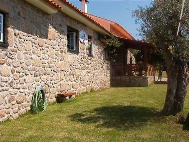 Beautiful cottage with pool - Valenca do Minho - Villa