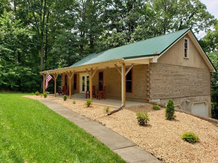 Log Home - 3 Bedroom, 2 Bathroom, Sleeps 8 Adults