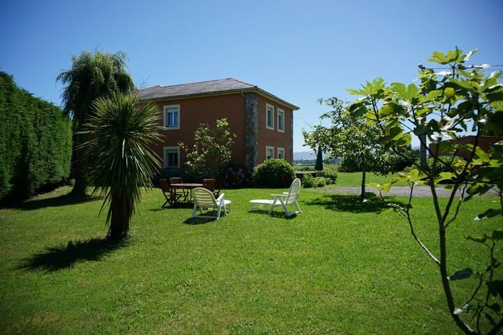 Apartamento Casa Gayol, cerca d la playa de Porcía