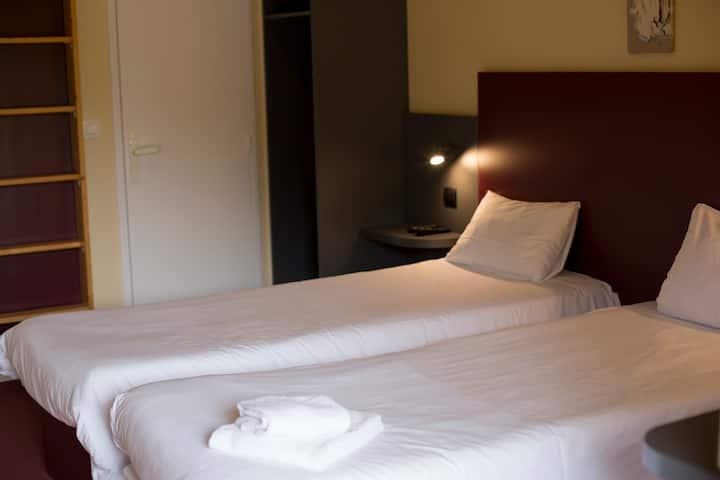 Chambre 3 personnes MAPE HOTEL
