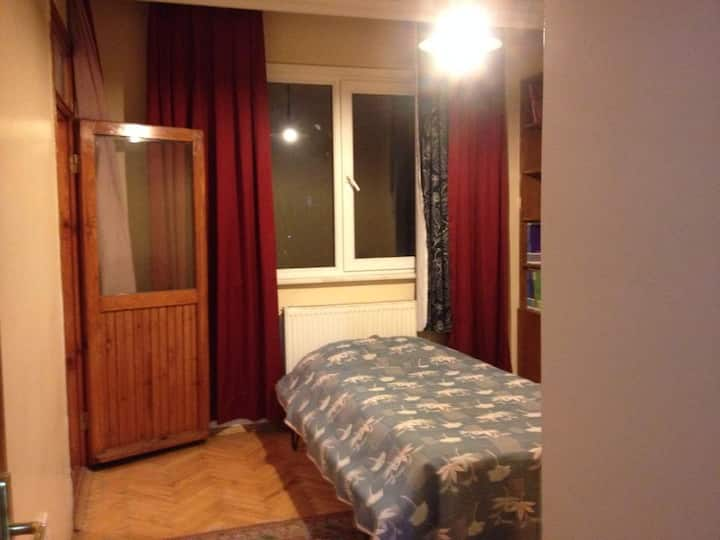 Fresh room in Bostanci