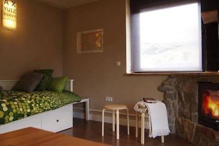 Apartamento  Puebla de Lillo 15 km de San Isidro