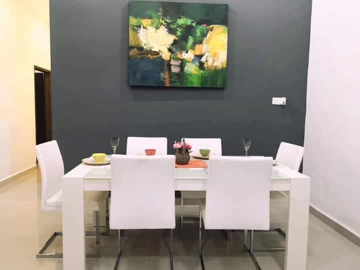 Modern COZY HOUSE 3 ROOM 6-8PAX@ ALMA JUSCO.BM