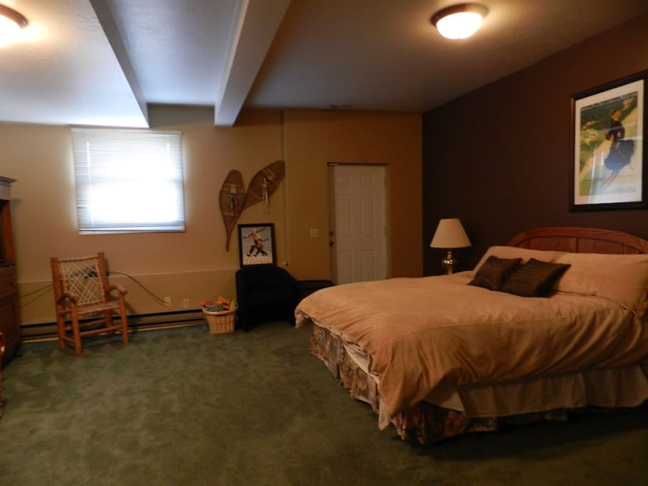 Lower level master suite- bathroom and walk-out to hot tub.