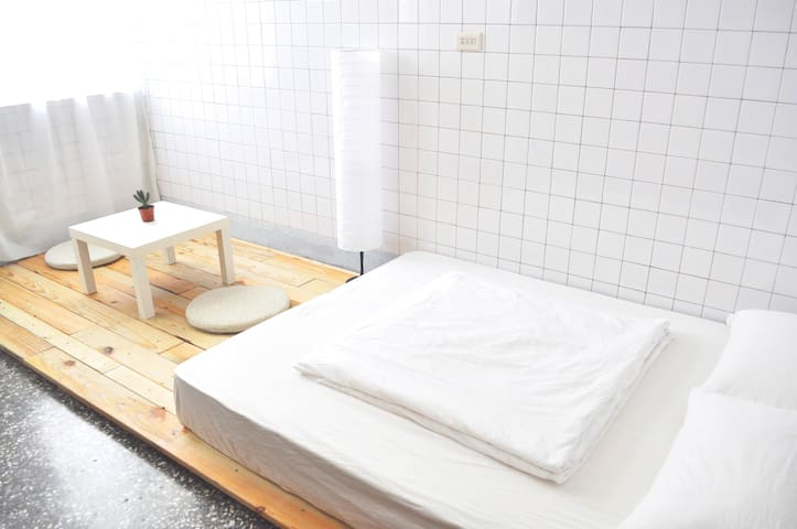 Xie Xie House@2F Double bed room - Zuoying District - Hus