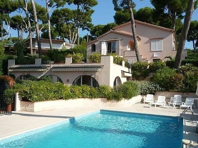 SUNNY, PRIVATE GARDEN CAP ANTIBES - Antibes - Apartment