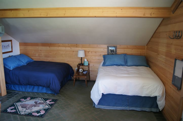 Comfortable full size beds!