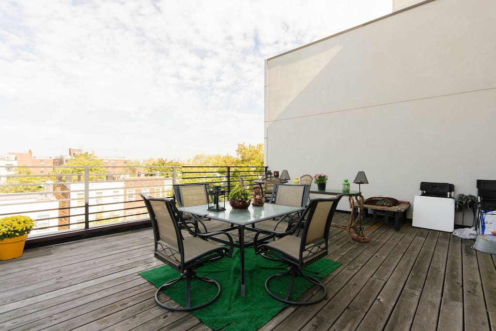 Fully furnished private terrace with amazing city views.
