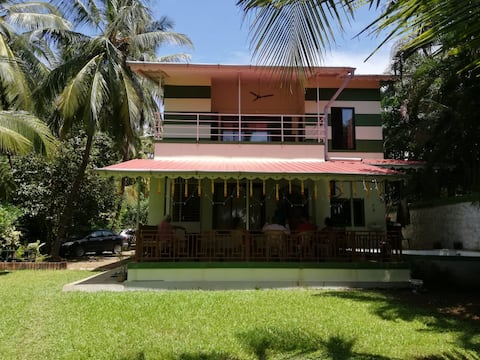 Bapunchi Wadi,  beach-house to  work from home.