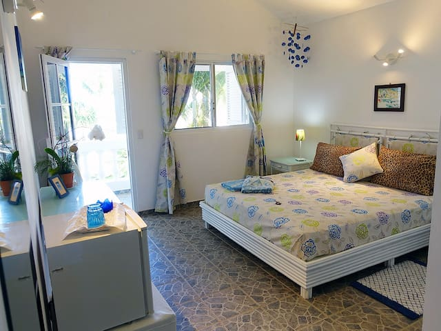 Beautiful beachfront room for couples. Playa Coson - Coson - Bed & Breakfast