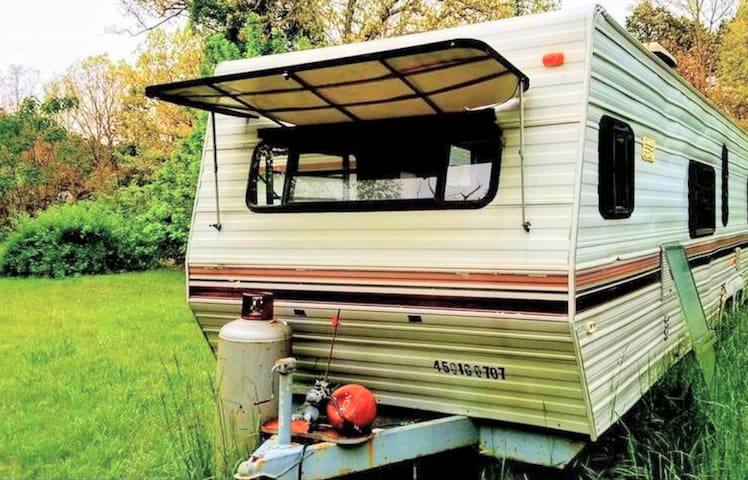 PECULIAR RV CAMPING EXPERIENCE/FIT 4. CLOSE TO ALL
