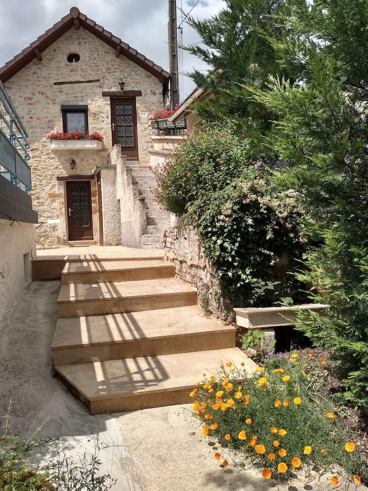 """Maison en pierre avec jardin:"""" Les bourdons"""" N°6"""