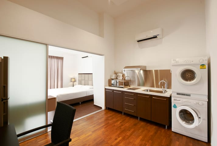 Sky2 - Serviced Apartment in the East