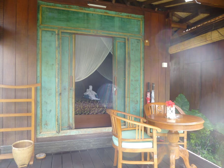 antique room from outside