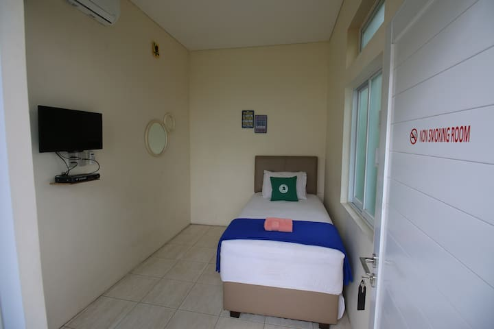 Single Room @BogorHomestay Bogor Lakeside