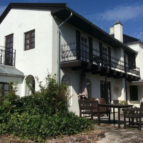 Liebhaverhus 300 m2 8 per incl reng - Mesinge - Casa