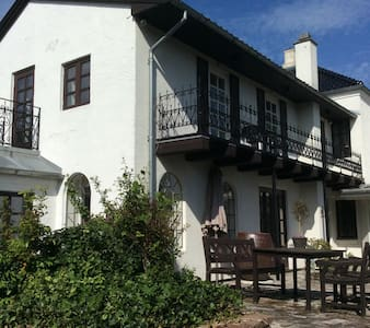 Liebhaverhus 300 m2 8 per incl reng - Casa