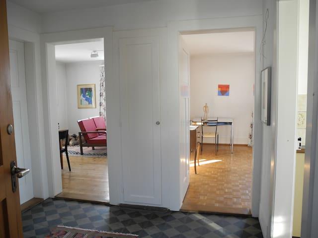 Flexible 3.5 Zimmerwohnung, auch ohne Auto mobil