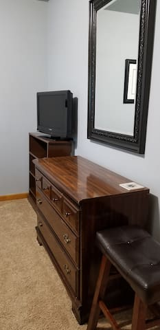 Dresser, mirror, TV