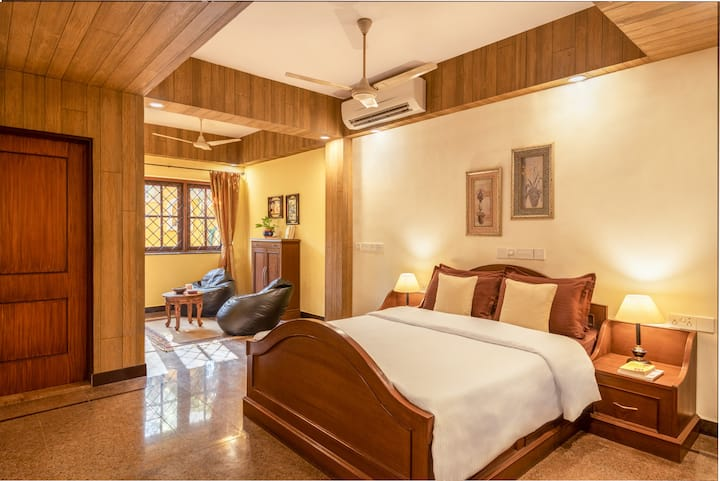 Room G1 in Luxurious Portuguese Villa in North Goa