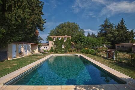 Uzès Maison campagne + grande piscine au calme