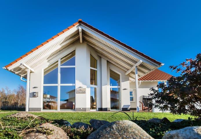 Villa Bernstein, Rügen: Entspannung pur am Bodden