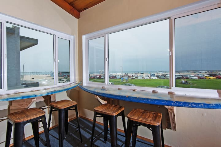 Ocean View Breakfast Nook and Great Room.