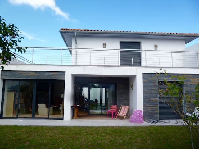 Chambres spacieuses terrasses anglet biarritz for Chambre d hote biarritz